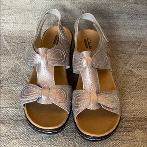 Clarks Collection Pewter Sandal, size 9
